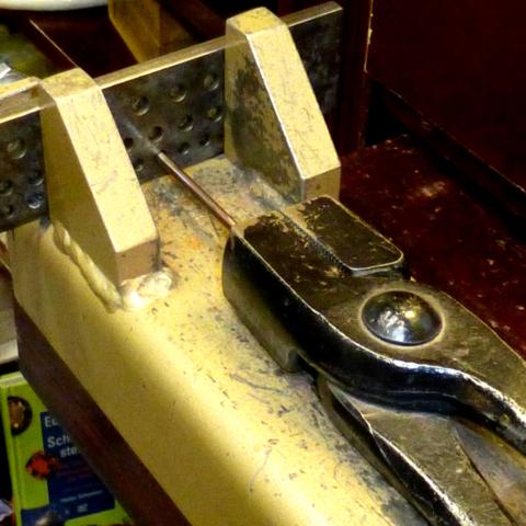Schmuck-Umarbeitung, Goldschmiede-Anfertigung, Ring-Anfertigung