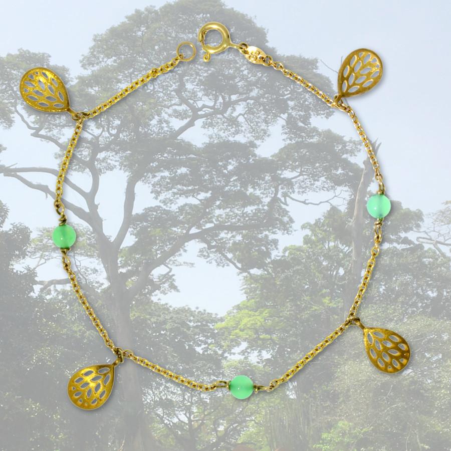 Armband mit Anhänger in Blattform und aus grünen Achaten in 585 Gelbgold