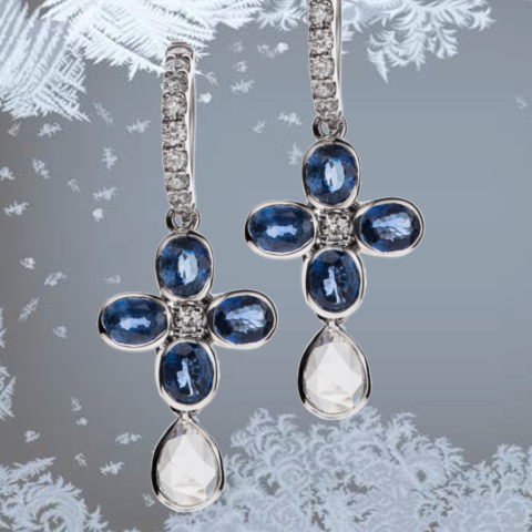 Ohrhänger aus Weißgold mit Safiren und Brillanten. Die abnehmbaren Tropfen bestehen aus Diamantrosen