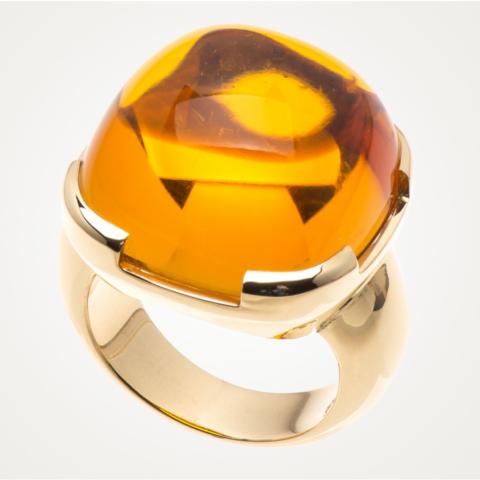 Ring mit einem großen quadratischen Citrin-Cabochon
