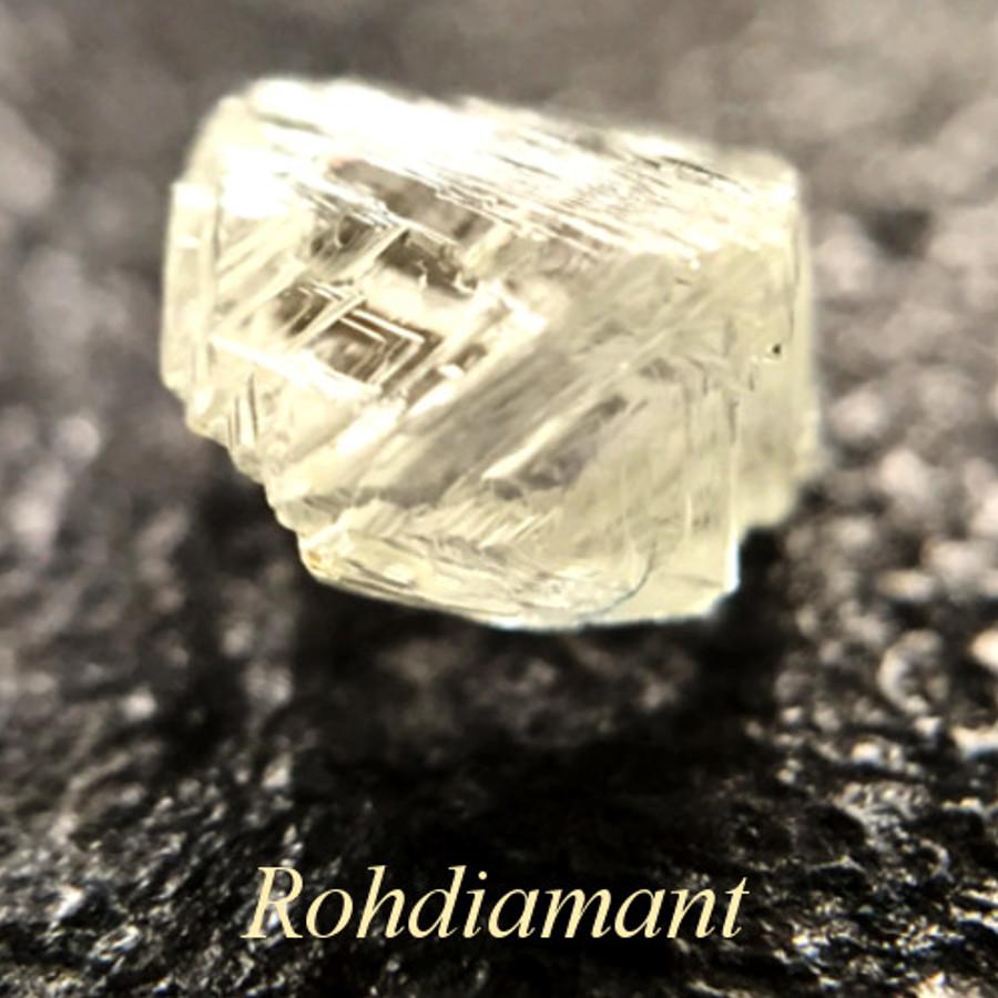 ungeschliffener Roh-Diamant