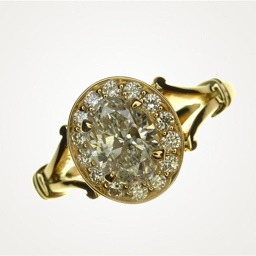 Verlobungsringmit 1 ovalen Brillant im Brillantkranz, Gelbgold